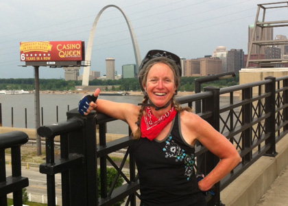 Carolyn Goodwin Kueffner in St. Louis, Missouri while biking the length of the MIssissippi River