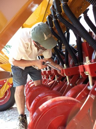 no till drill device maintenance
