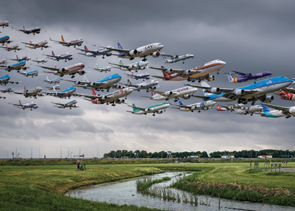 Mike Kelly photo of multiples planes in the air