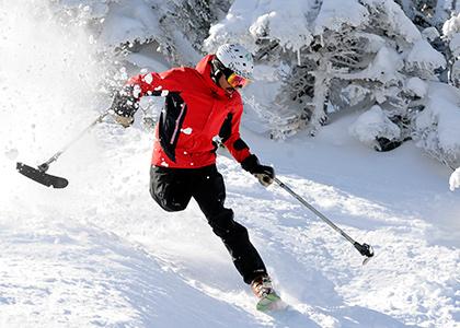 Vasu Sojitra skiing