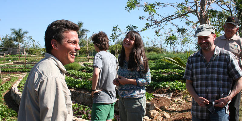 UVM graduate class visits a Cuban agroecology farm