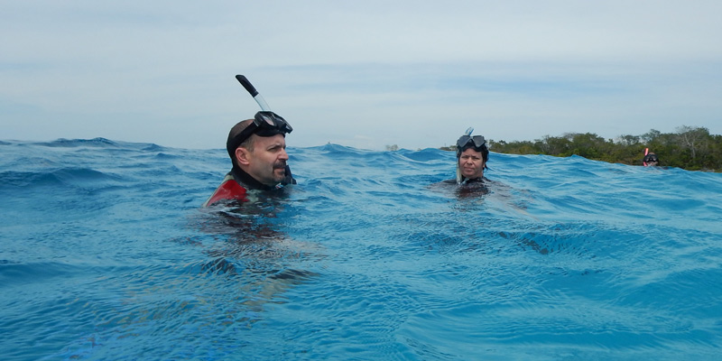 Joe Roman of UVM and Patricia Gonzalez Diaz of U. Havana scuba diving in Cuba