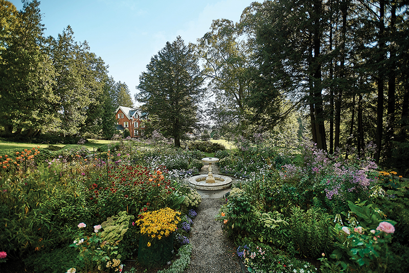 Billings museum formal gardens in full bloom