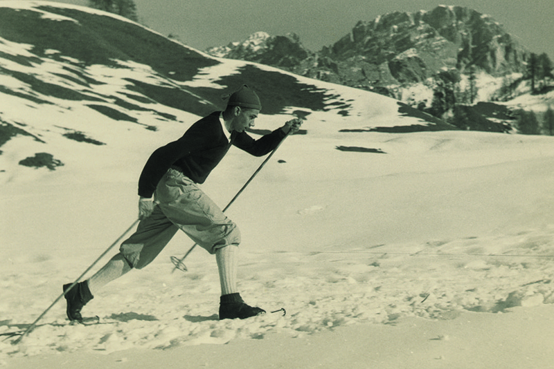 Larry Damon skiing